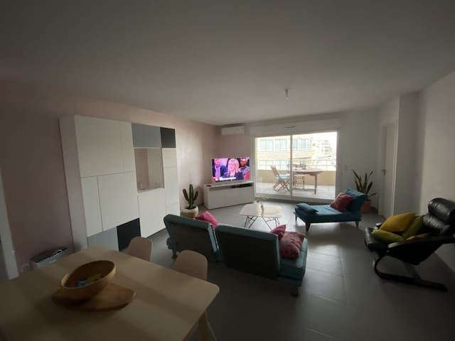 VERY NICE APARTMENT JUST A FEW STEPS FROM THE BEACH - PAVALAS-LES-FLOTS