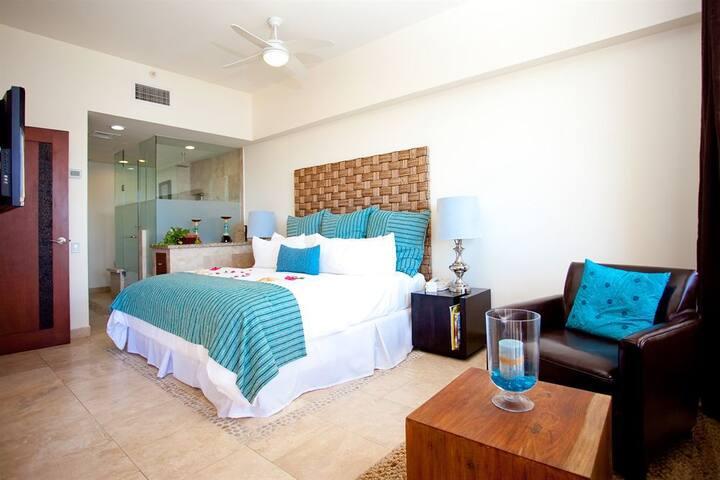 Hotel on The Beach-Cabo Villas Beach Resort & Spa