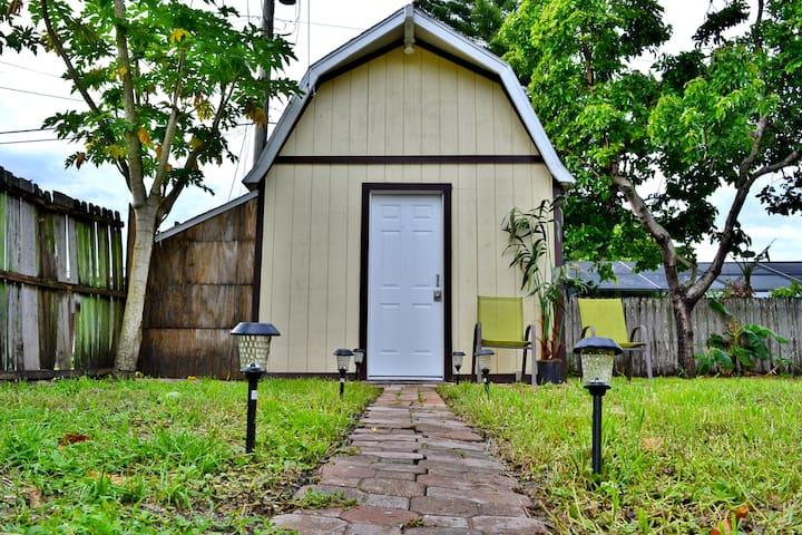 Tiny House near Downtown Orlando