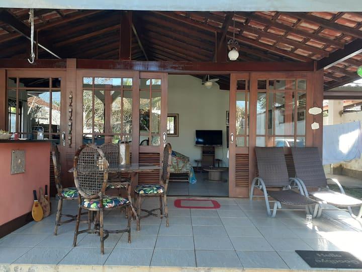 Casa espaçosa e arejada ótima localização e dicas