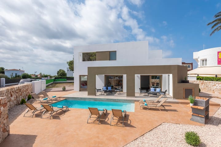 Great Villa for 10 near to Ciutadella