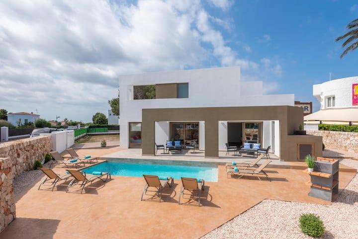 Great Villa for 10 near to Ciutadella