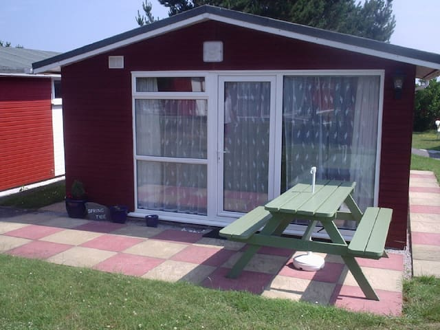 2 Bedroom 4 Berth Chalet in Padstow - Saint Merryn