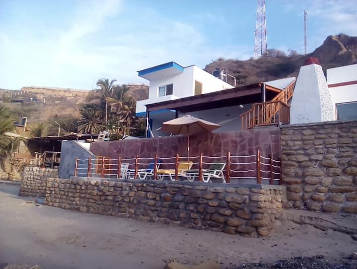 Alquilo casa amoblada Frente al Mar