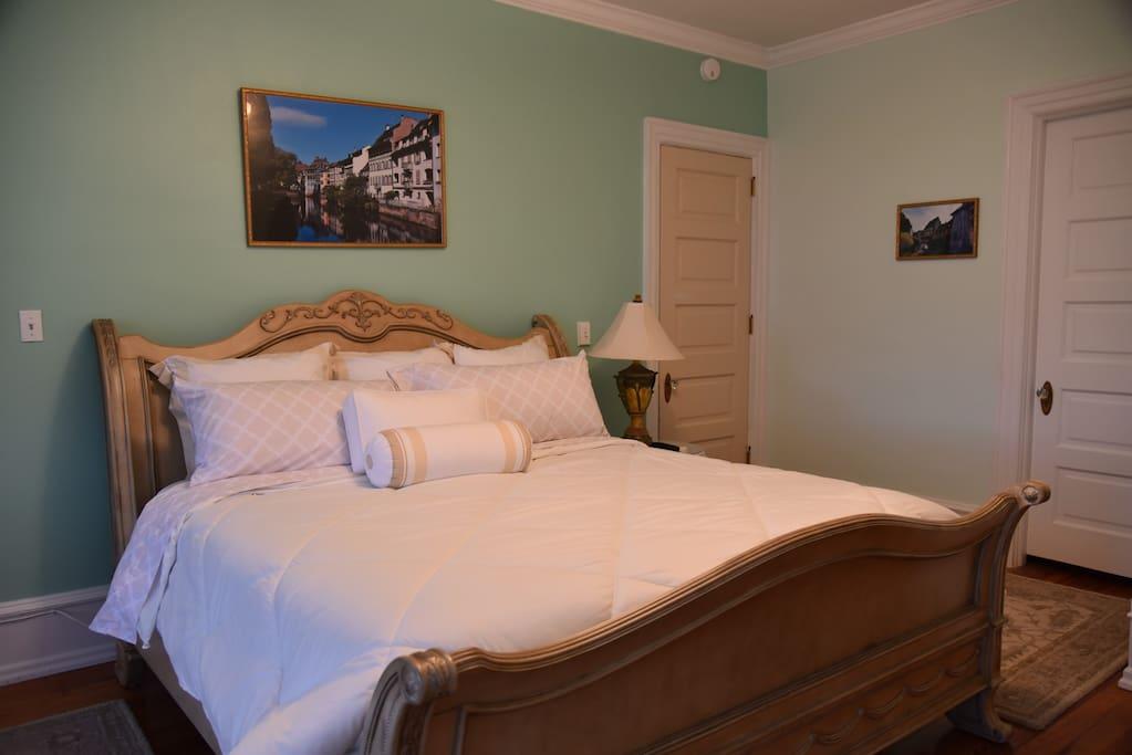 the bismarck bed breakfast colmar room bed and. Black Bedroom Furniture Sets. Home Design Ideas