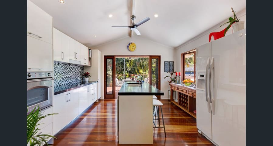 Tropical home in prime location of Sunshine Coast