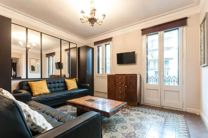 Lovely 1 Bedroom Apartment in Centre of Barcelona