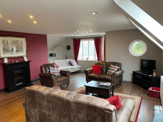 Gorgeous apartment in the heart of rural village.