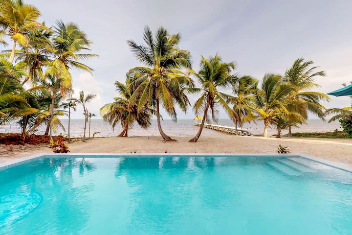 Beachfront condo w/shared pool, private beach - away from the bustling town!