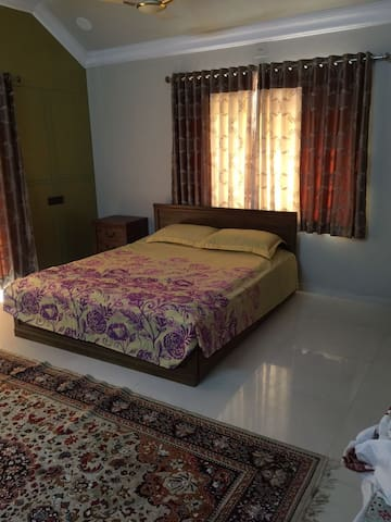 Fully furnished Bungalow - Gandhinagar - Bungalou