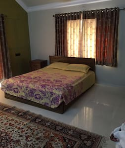 Fully furnished Bungalow - Gandhinagar - 平房