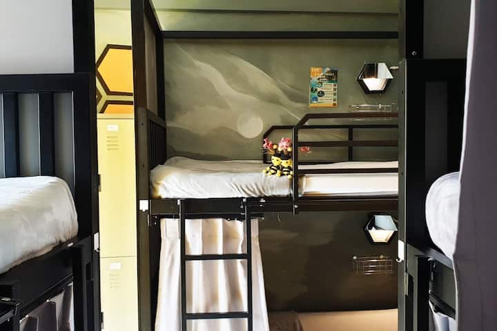 Bunk Bed in the Heart of Phuket Town included breakfast