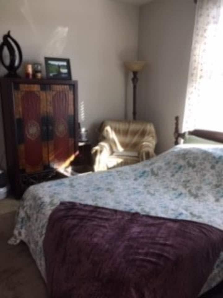 Quiet & Cozy Bedroom Retreat