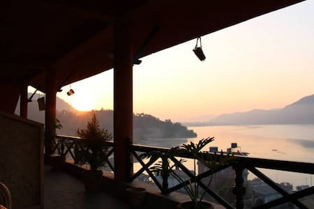 Beautiful Deluxe Private Room on Fewa Lake - No. 3 - Pokhara
