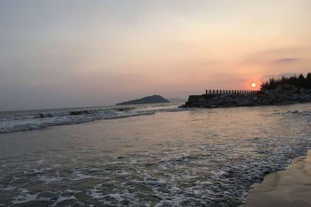 金色海滩   看日出日落  候鸟  海浪 - Shanwei
