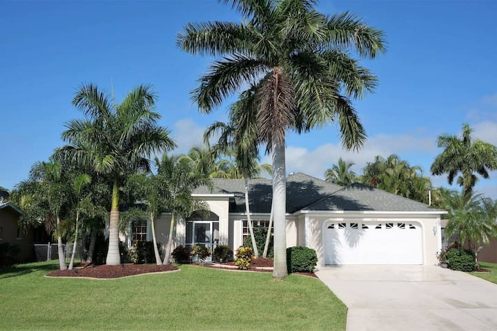 Private & Relaxing Tropical Villa - Veteran Owned