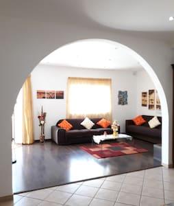 Modern apartment near sea and amenities inc garage