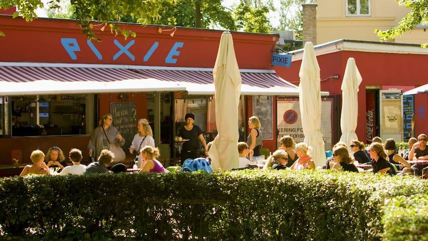 Cafe Pixie