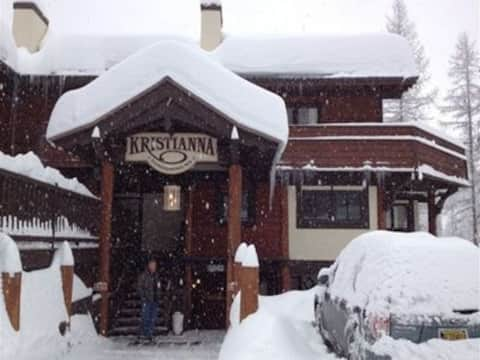 Estación de esquí Whitefish Mountain, Kristianna 6