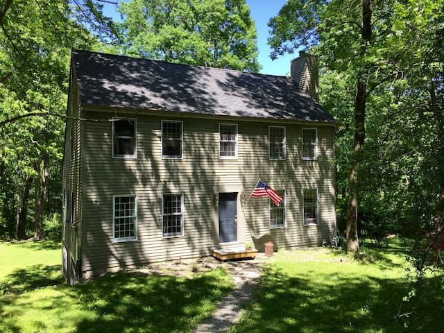 Country Home 2 Hours from NYC (Kent/Berkshires) - Kent
