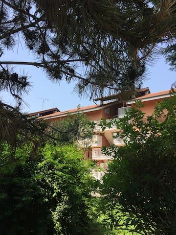 CASA QUADRIFOGLIO, Zona Asti est comodo per Alba