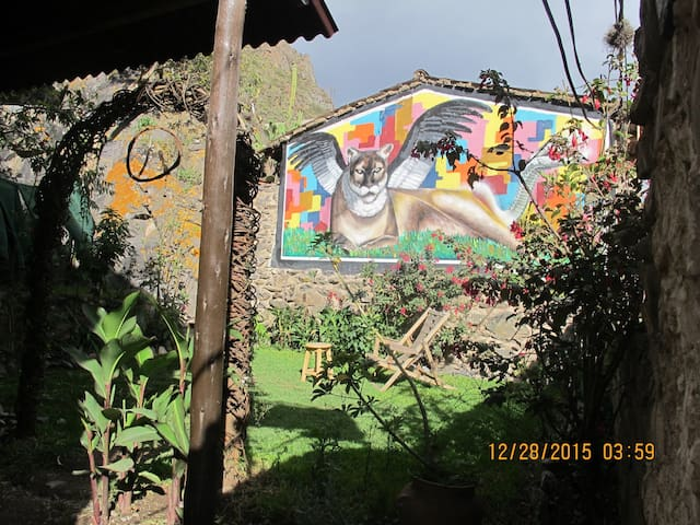JANAXPACHA HOSTEL + MORE- Cozy Mountain Home - Ollantaytambo - Gästehaus