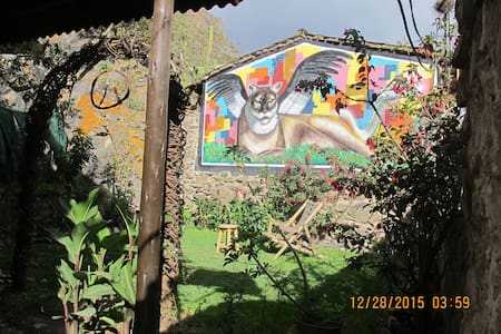 JANAXPACHA HOSTEL + MORE- Cozy Mountain Home - Ollantaytambo