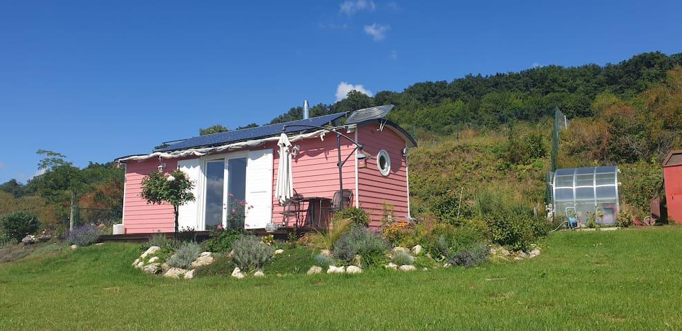 Off -grid Maringotka S Bio Záhradou