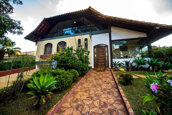 House Mountain - Come to Inhotim - Condomínio Retiro das Pedras - Huis