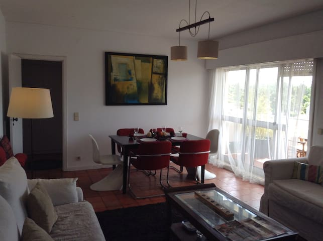 Charming apartment with sea view - Mindelo - Apartamento