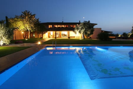 Luxury Rome Country Villa, Pool, Weddings, BBQ