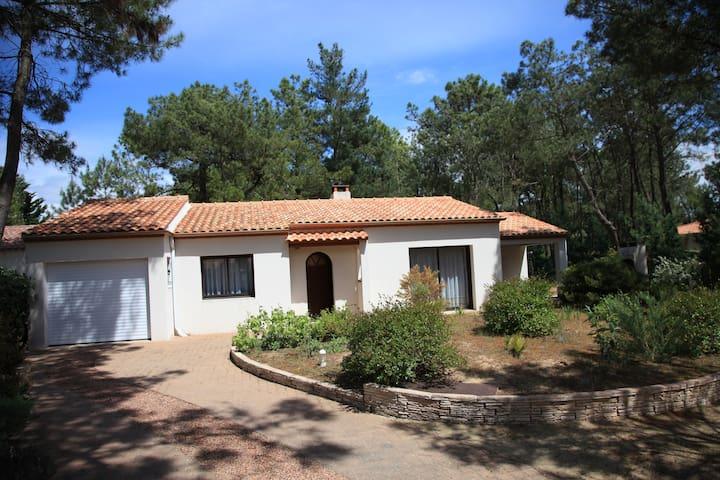 Maison de vacance dans la presqu'ile d'Arçay - La Faute-sur-Mer - Haus