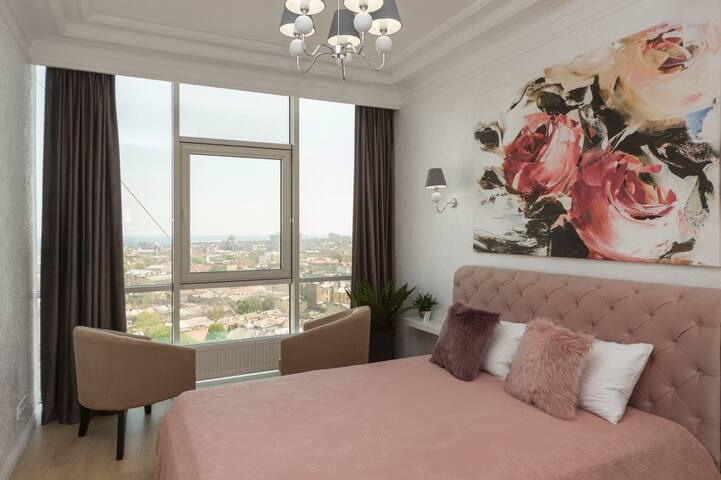 La Rose Apartment with panoramic city&sea view
