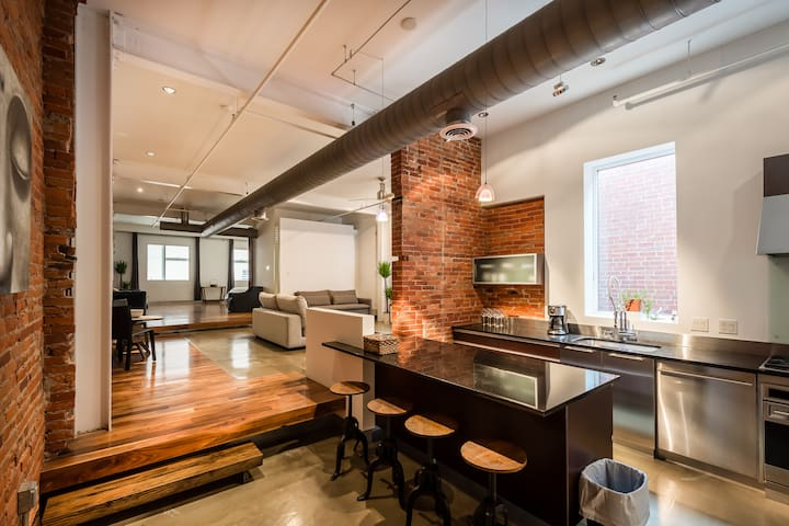 Luxury Loft in Center City, steps from Rittenhouse
