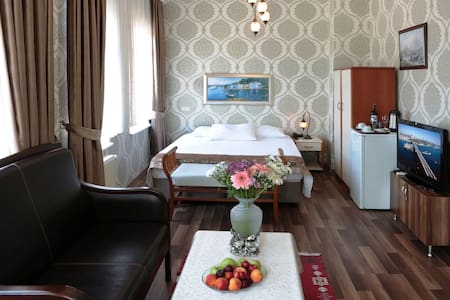 Quad Room with Sea view in Heart of Sultanahmet - B&B/民宿/ペンション
