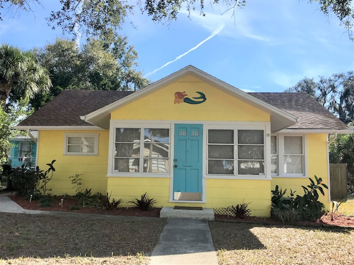 Key West Style Cottage- Historical downtown area
