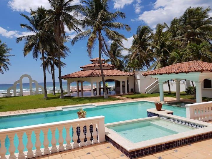 Costa del Sol, Beachfront Luxury Mansion