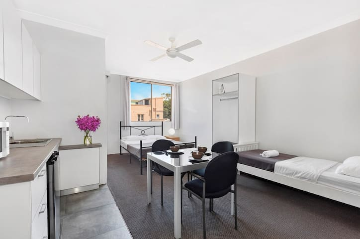 3 Person Studio Room at Manly Beachside Apartments