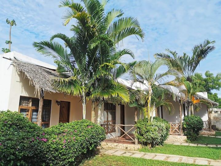 Bungalow Star #4, terrasse vue jardin, 2 piscines