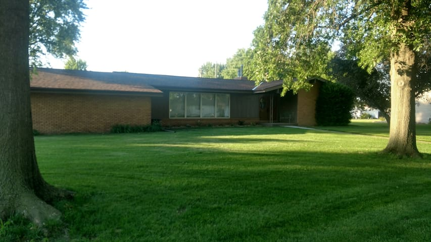 Small Town Family Friendly Home in Shickley