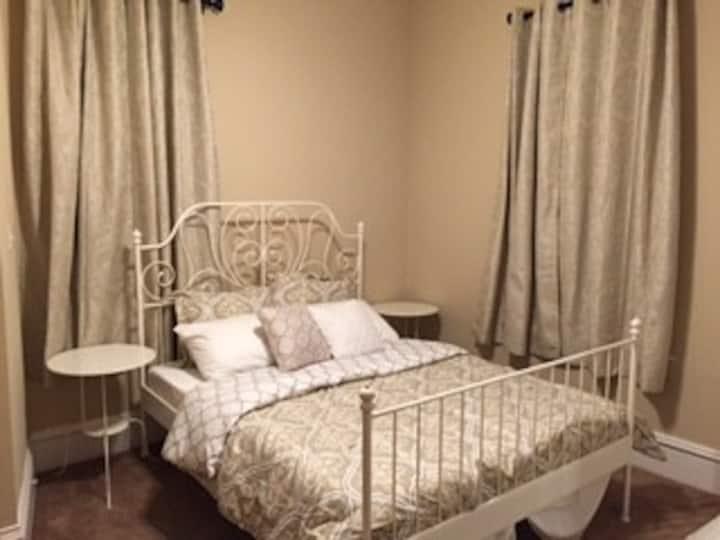 2L Travel Nurse - Convenient & Comfortable Room!