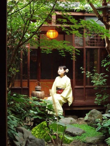 【Women's only room】100 Year old Machiya Guest House close to Heian Shrine in Kyoto【女性専用】京都 平安神宮近く。築100年の町家を改修したゲストハウス和楽庵