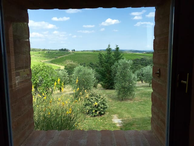 Private Vineyard Duplex ~ Gorgeous Views to Siena - Villa A Sesta - Dům