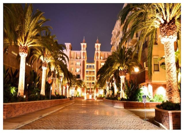 Female Only Luxury Housing (20% discount avl) - Los Angeles - Leilighet