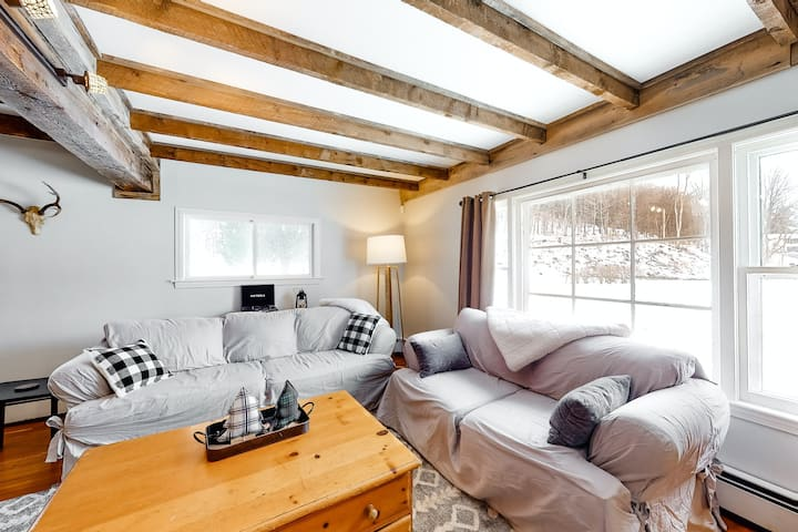 A Stylish Ski Retreat near Okemo Mountain Resort and heart of Ludlow Village