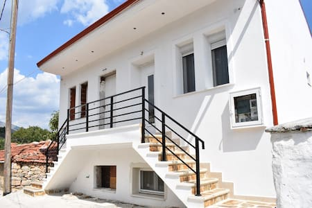 Stavroulas House 2