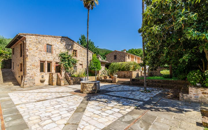 Elegante casa in pietra Dependance Villa Poderino