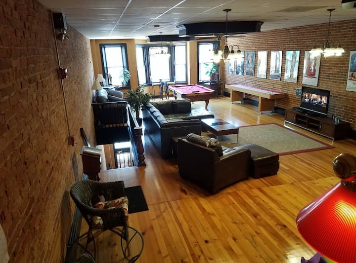 Gameroom in Galena