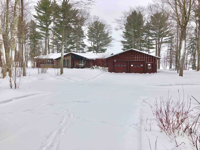 Snowmobile Haven! Parking and Direct Trail Access