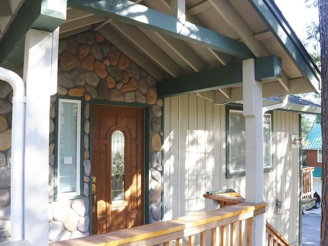 Cabin near Pinecrest Lake and Dodge Ridge ski area